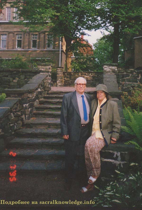 Вронский с женой Лианой