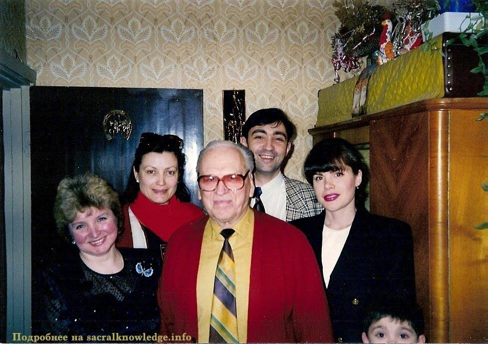 друзья С.А. Вронского и он сам